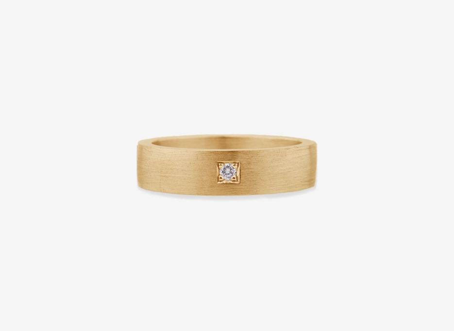 Classic Wedding Band 6mm Ring in Gold